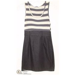 SIZE SMALL SLEEVELESS CASUAL TANK TOP WITH PENCIL