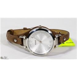 NEW LADIES LEATHER BAND FOSSIL WATCH