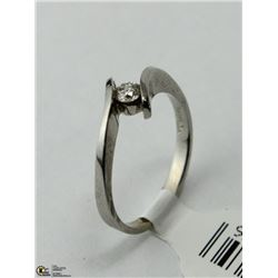 62) 10KT ROUND CUT SOLITAIRE DIAMOND RING,SIZE 6.5