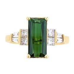 2.20 ctw Green Tourmaline and Diamond Ring - 14KT Yellow Gold