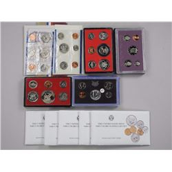 10x USA Mint - Coin Sets Proof and UNC.