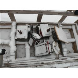 Crate of hydraulic motors -working condition unknown