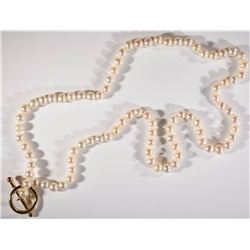 PEARL NECKLACE, 14kt GOLD TOGGLE CLASP