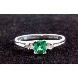 0.30ct Emerald & Diamond Ring CRV$1950