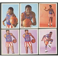 Lot of (6) 1971-72 Globetrotters with #79 Jackie Jackson, #77 Bobby Hunter, #79 Jackie Jackson, #35
