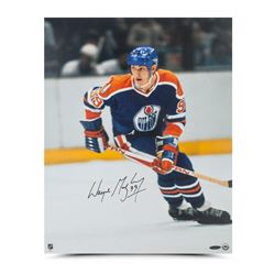 "Wayne Gretzky Signed Oilers ""Rookie Season"" 16x20 Photo (UDA COA)"