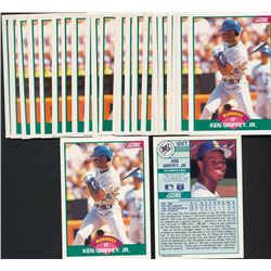Lot of (25) 1989 Score Rookie / Traded #100T Ken Griffey Jr. RC