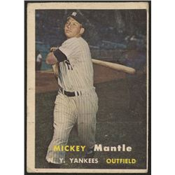 1957 Topps #95 Mickey Mantle