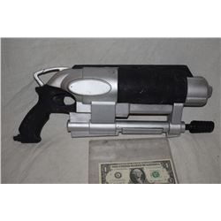 ZZ-CLEARANCE LAB RATS DISNEY SCREEN USED ALIEN BLASTER RAY GUN 1