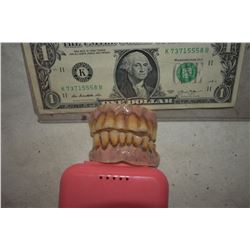 ZZ-CLEARANCE ALIEN DEMON CREATURE ZOMBIE VAMPIRE TEETH UNRESEARCHED SET 5