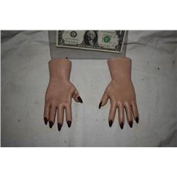 SEED OF CHUCK SCREEN USED HERO TIFFANY HANDS FROM ANIMATRONIC PUPPET