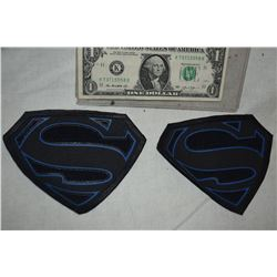 SUPERGIRL KRYPTONIAN GLYPHS BLACK MEDIUM LOT OF 2