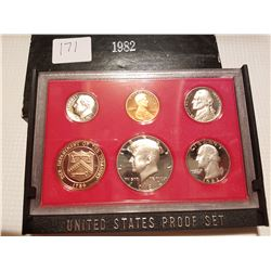 1982 Proof set in case