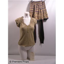 The Possession Em (Natasha Calis) Movie Costumes
