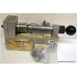 CASE TRIMMER AND GAUGING TOOL