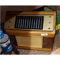 VINTAGE CAMBRIDGE SHORT WAVE/LONG WAVE RADIO