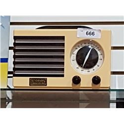 CROSLEY COLLECTOR'S EDITION AM/FM RADIO & CASSETTE PLATER