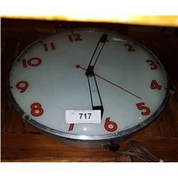 VINTAGE BUBBLE GLASS CLOCK