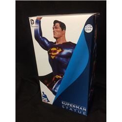DC COLLECTIBLES SUPERMAN STATUE BY FRANK QUITELY (RETIRED #100 OF 5200) IN BOX