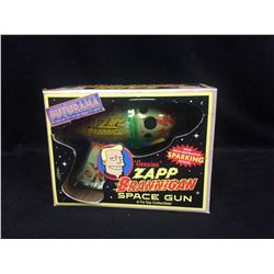 FUTURAMA GENUINE  ZAPP BRANNIGAN SPACE GUN (IN BOX)