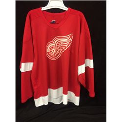 DETROIT RED WINGS HOCKEY JERSEY (SIZE XL)