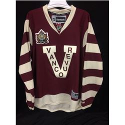 HERITAGE CLASSIC VANCOUVER CANUCKS HOCKEY JERSEY (SIZE LARGE)