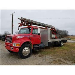 1989 SKYHOOK INTERNATIONAL 4900, 4X2, MILES SHOWING: 321,197, VIN: 1HTSDZZP5LH245290 DT466 INTERNATI