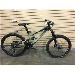 GREEN AND BLACK SPECIALIZED SX TRAIL ONE FULL SUSPENSION DOWNHILL MOUNTAIN BIKE WITH FRONT AND REAR