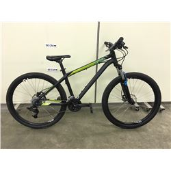 BLACK SPECIALIZED P.STREET TWO FRONT SUSPENSION DIRT JUMPING BIKE WITH FRONT AND REAR HYDRAULIC