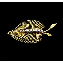 0.30 ctw Diamond Leaf Motif Pin - 14KT Yellow Gold