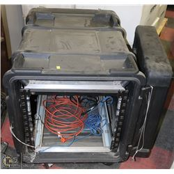 HEAVY DUTY HARDCASE W/ CASTORS & INTERNAL RACK FOR