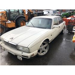 1990 JAGUAR XJ6, 4 DOOR SEDAN, WHITE, VIN # SAJKL1943LC601046