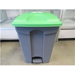 GREY & GREEN LID PLASTIC STEP CAN