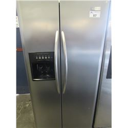 "FRIGIDAIRE STAINLESS STEEL FRIDGE WITH WATER & ICE DISPENSER JSI-23 (33.5""W X 34""D X 69""H)"