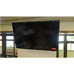 Large Flat Screen LG 42LD520 TV w/Wall Mounting Hardware