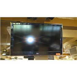 Large Flat Screen LG TV - Model 42LD520-UA