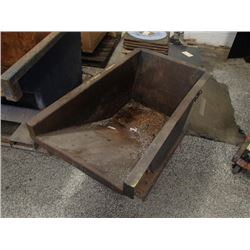 "Hammant Heavy Duty Scrap Hopper, Overall: 27"" x 48"" x 25"""