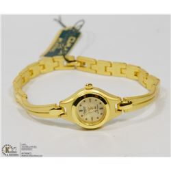 QMAX MATTE GOLD TONE LADIES WATCH.