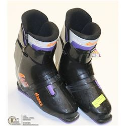 PAIR OF NORDICA SKI BOOTS SIZE 11.5/12