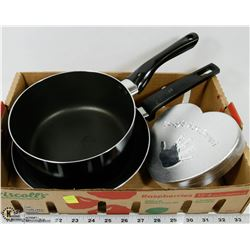 FLAT W/ FRYING PAN, POT, AND BABY HAND PRINT KIT