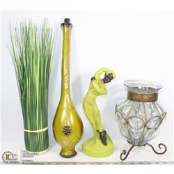 FLAT WITH VINTAGE CHALKWARE AND ARTIFICIAL VASE,