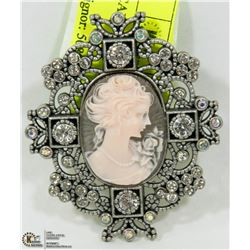 "EXTRA LARGE VINTAGE ""CAMEO"" BROOCH"