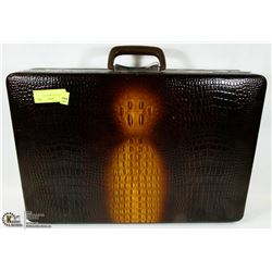 ALLIGATOR LIKE BRIEFCASE