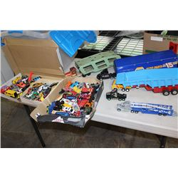 TOTE OF VINTAGE DIE CAST VEHICLES