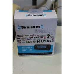 NEW OVERSTOCK SIRIUS SATELLITE RADIO STRATUS 7 SATELLITE RADIO AND VEHICLE KIT WITH FM DIRECT ADAPTE