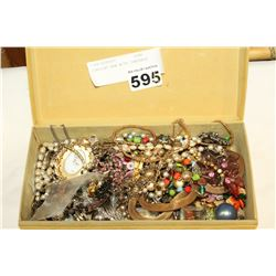 JEWELLRY BOX WITH CONTENTS