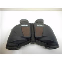 STEINER 8 X 30 BINOCULARS IN NYLON CASE WITH STRAP