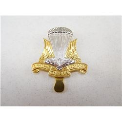 CANADIAN AIRBORNE CAP BADGE