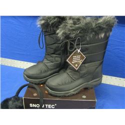 Snow-tech winter boots size 9