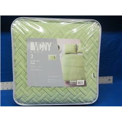 VCNY King 3 piece quilt set